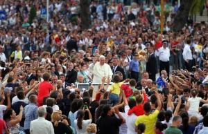pope-francis-in-albania